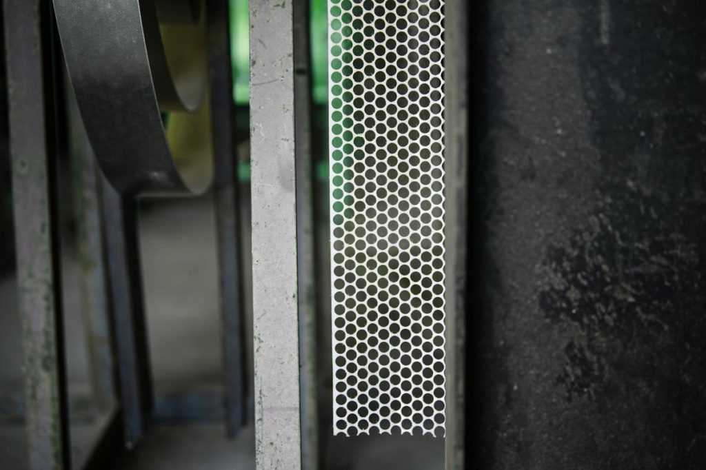 King brands metal sheets to manufacture security gates